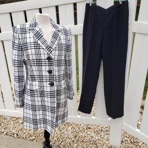 NWOT Le Suit 2 pc. Pants Suit Black White Plaid